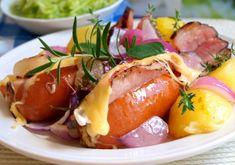 Plněné zapékané špekáčky | NejRecept.cz Pork Tenderloin Recipes, No Cook Meals, Baked Potato, Ham, Potato Salad, Sausage, Food And Drink, Low Carb, Cooking