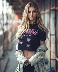Marina Laswick - Page 19 - Female Fashion Models - Bellazon Photography Poses, Fashion Photography, Street Photography, Modeling Fotografie, Kreative Portraits, Marina Laswick, Tumblr Girls, Malta, Female Models