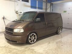Hello chaps.   As tht title really. I have a tonne of questions related to the T4, so if you own one your input is required.   I enjoy vans, for some reason and I am needing to replace my Vito. I