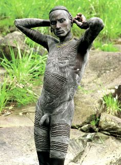 Surma Man with Painted Body, Ethiopia | Carol Beckwith & Angela Fisher