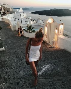 Dinner with new friends in mykonos, greece. Myconos, Destination Voyage, Adventure Is Out There, Oh The Places You'll Go, Belle Photo, Summer Vibes, Travel Photography, Makeup Photography, Film Photography