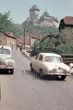 Renault Dauphine, 1960 Dillo/Timeline Images #Auto #Ausflug #Oldtimer #Sommer Timeline Images, France, Automobile, How To Memorize Things, Europe, Cars, Vintage, Classic, Posh Cars