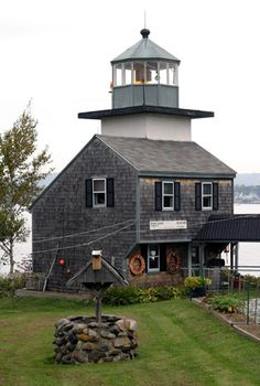 The Rockland Harbor Southwest Lighthouse was privately built by Dr. Completed in the tower and dwelling were sold in 1998 to John Gazzola, who has extensively renovated the lighthouse - Maine x Maine Lighthouses, Lighthouse Pictures, Beacon Of Light, Water Tower, Architecture, New England, Beautiful Places, Around The Worlds, Cottage