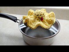 #Crochet Tiny Hat Pot Holder #TUTORIAL - http://www.knittingstory.eu/crochet-tiny-hat-pot-holder-tutorial/