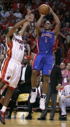 Chauncey Billups Photos Photos: Detroit Pistons v Miami Heat - East Finals Game 7 Detroit Basketball, Pistons Basketball, Detroit Sports, Basketball Skills, Basketball Games, Rules For Kids, Game 7, Nba Stars, Nba Playoffs