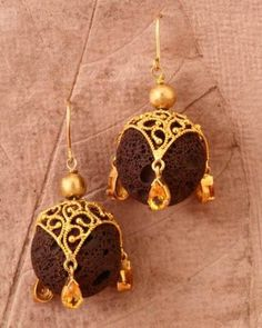 Gehna offer to sell Nature's molten lava rock beads feature in this indian-inspired, delicately handcrafted filigree jhumki made in 18k gold online in Chennai.