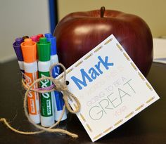 Back to School teacher gift idea! Free printable! Super easy and inexpensive!