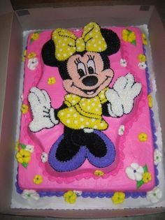 Minnie Mouse Alyssa is 4 years old. Minnie Mouse cake - Beauty Tips & Tricks Minnie Mouse Cupcake Cake, Minnie Mouse Birthday Theme, Mini Mouse Cake, Mickey And Minnie Cake, Bolo Minnie, Disney Cupcakes, 3rd Birthday Cakes, Mickey Cakes, Birthday Kids