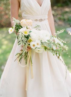 A wedding like this inspiration shoot fromCristina Calvert Signature Weddings & CelebrationsandStacy Bauer Photographycould count as your something old and something new. How? Let your something old beHammond- Harwood House, the gorgeous setting for this inspiration shoot, which dates back to