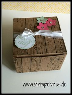 Stampin Up Tafelrunde Box Verpackung Geschenkbox in Sand Expresso Hardwook Pistazie Rhabarbeerrot Stanze kleine Blüte 3