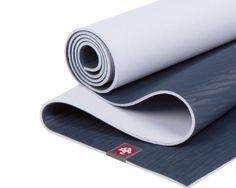 Översikt Mandukas eKO Lite-matta är ett under av ekomedveten innovation och bekvämlighet. Utvecklad av yogalärare som strävat efter en högpresterande, miljövänlig matta. eKo Lite är tillverkad av Mandukas patenterade naturgummi med slutna celler och behaglig, sjögräslik ytstruktur. Mattan kombinerar prestanda och hållbarhet med en lättviktig och resevänlig design, överlägsen dämpning och är snäll mot din kropp och miljön. Denna naturliga gummimatta skapas genom en giftfi process och är helt…
