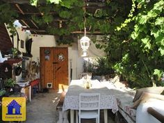 Cave house located on a quiet dead end straat in Galera. € 65000