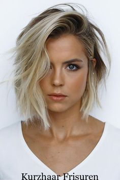 62 of the Popular Short Hairstyles & Haircuts for Thin Fine Hair - These haircuts are THE must if you are suffering from gradual thinning hair Medium Hair Styles, Curly Hair Styles, Hair Medium, Bob Hairstyles For Fine Hair, Hairstyles Haircuts, Black Hairstyle, Hairstyle Short, Haircut Short, Haircut Styles