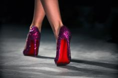 vogue vogue It's a bit bold but I like it. Purple Glitter, Red Bottoms, Editorial Fashion, Ballet Shoes, Christian Louboutin, Personal Style, Vogue, Glamour, Tumblr Outfits