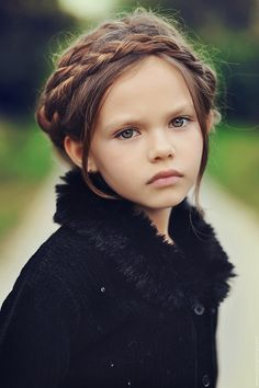 Lil' girls braid ..Click to close image, click and drag to move. Use arrow keys for next and previous.
