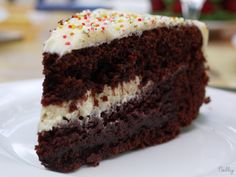 Gâteau d'anniversaire au chocolat et son nappage au cream cheese