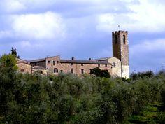 San Donato in Poggio, the village among the green - Photo by Bianca Corti