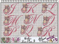 Apaixonada por Ponto Cruz: Monograma Ballet Cross Stitch Letters, Cross Stitch Baby, Cross Stitch Charts, Diy Embroidery, Cross Stitch Embroidery, Mermaid Toys, Alphabet Design, Cross Stitching, Beading Patterns