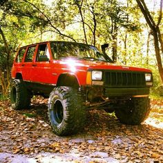 '99 Jeep Cherokee, lifted & outside ready to go mudding