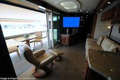 2009 Country Coach Veranda Bath & 1/2 Luxury RV W/4 Slides including Power Ve