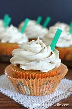 These delicious cupcakes are a copycat version of Starbucks popular fall drink
