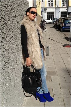 Münchener Herbst-Blogger-Fashion Outfit - Bag, Heels, Laptop