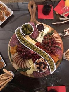 23 Ideas fruit platter ideas party appetizers entertaining for 2019 Party Food Platters, Food Trays, Cheese Fruit Platters, Appetizers For Party, Appetizer Recipes, Charcuterie And Cheese Board, Cheese Boards, Cheese Board Display, Wine And Cheese Party