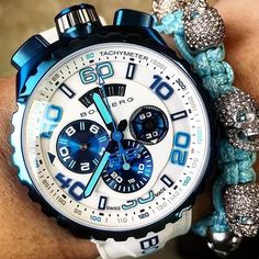 Match your #BOMBERG #watch with an impressive #SkullyBracelet! More information on our website (link in the bio)