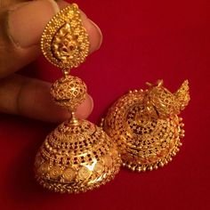 How Clean Gold Jewelry Jhumka Designs, Gold Earrings Designs, Gold Jewellery Design, Gold Jewelry, Indian Gold Jewellery, Kerala Jewellery, Jewlery, Gold Designs, Quartz Jewelry