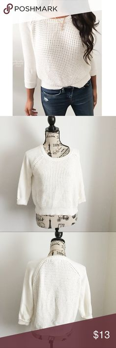 """White Semi Cropped Sweater ✦ PRICE IS FIRM BUNDLE FOR DISCOUNT  ✦{I am not a professional photographer, actual color of item may vary ➾slightly from pics}  ❥chest:21"""" ❥waist:18"""" ❥length:19"""" ❥sleeves:20"""" ➳material/care:60%cotton+acrylic/hand wash  ➳fit:cropped& true w/some stretch ➳condition:gently used   ✦20% off bundles of 3/more items ✦No Trades  ✦NO HOLDS ✦No transactions outside Poshmark  ✦No lowball offers/sales are final Forever 21 Sweaters Crew & Scoop Necks"""