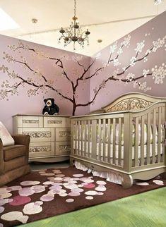 deco chambre bebe fille rose avec un joli dessin mural, représentant un arbre…