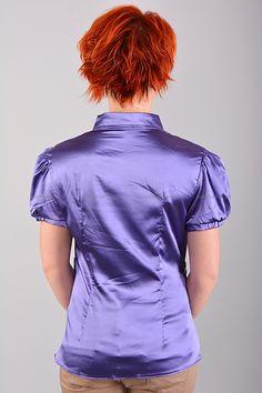 Рубашка Б7641  Цена: 350 руб  Размеры: 40-46    Элегантная рубашка приталенного кроя с воротником.  Модель с застежкой на пуговицы.   (маломерит на размер)  Состав: атлас.     http://odezhda-m.ru/products/rubashka-b7641     #одежда #женщинам #блузкирубашки #одеждамаркет