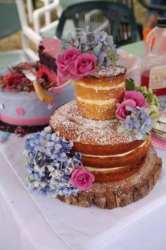 Avas naming day naked cake