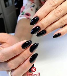 Anstecknadel ughlivia Nails in 2020 Black Acrylic Nails, Almond Acrylic Nails, Black Nails, Black Almond Nails, Jolie Nail Art, Nagel Gel, Perfect Nails, Toe Nails, Nails Inspiration