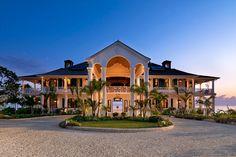 Já se imaginou nas águas cristalinas das Caraíbas, bem longe da rotina, nesta casa de sonho? Flower Hill Retreat -http://www.homeaway.pt/arrendamento-ferias/p3586275?utm_source=pinterest&utm_medium=social&utm_term=3586275-jamaica&utm_content=prop-image&utm_campaign=16mar