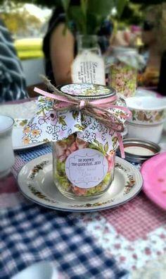 Vintage bridal shower popcorn favors. Use baby food jars?? For smaller treats