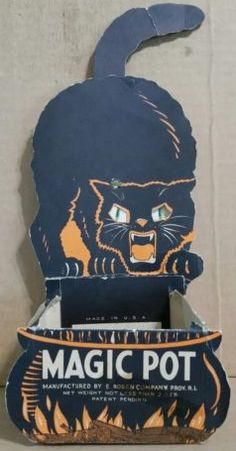 """""""Magic Pot"""" Mechanical Black Cat Halloween Candy Container,E. Halloween Friday The 13th, Charlie Brown Halloween, Halloween Prints, Halloween Items, Halloween House, Halloween Candy, Spirit Halloween, Holidays Halloween, Haunted Halloween"""