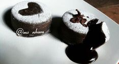 Resep Steamed Chocolate Lava Cake oleh Miss Nora Lava Cake Recipes, Lava Cakes, Brownies Kukus, Ogura Cake, Resep Cake, Steamed Cake, Chocolate Lava Cake, Let Them Eat Cake, Cheddar