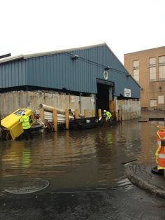 Superstorm Sandy Flooding New York Streets [PICS] http://mashable.com/2012/10/30/sandy-flooding-new-york/#