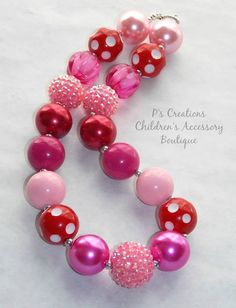Valentine's+Day+inspired+chunky+necklace+by+BowsNStachesBoutique