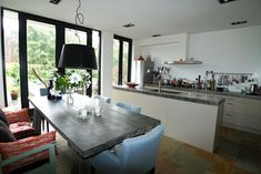 keuken openslaande deuren - Google Search Ramen, Kitchen, Table, House, Furniture, Google, Home Decor, Cooking, Decoration Home