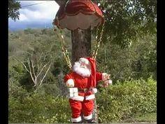 Navidad con Papá Noel en escaleras - YouTube Youtube, Bella, Xmas, Staircases, Bath Robes, Craft Videos, Christmas Things, Holiday Ornaments, Christmas Ornaments