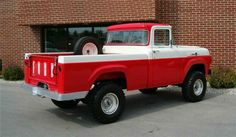 Chevy trucks aficionados are not just after the newer trucks built by Chevrolet. They are also into oldies but goodies trucks that have been magnificently preserved for long years. Chevy Trucks, Lifted Trucks, Cool Trucks, Pickup Trucks, Lifted Ford, Pick Up, Ford Girl, 1955 Chevrolet, 1959 Ford F100