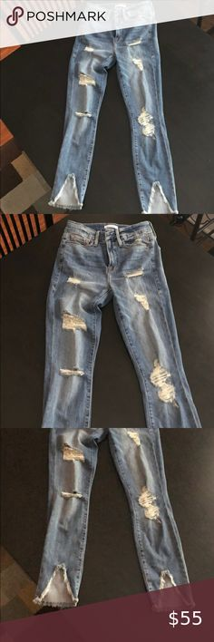 Good American Good Legs Frayed Skinny Jeans Size 4 Worn one time Excellent condition Size 27/4 Good American Jeans Skinny