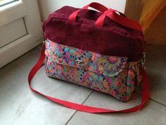 Sac Boogie cousu par Ma chouette fabrik en Liberty et suédine. Patron couture www.sacotin.com