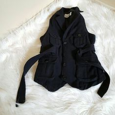 Oleg Cassini Winter Wool Black Vest Jacket Medium Very good condition Just one button a little loose But everything else is perfect Medium Brand name Oleg Cassini Jackets & Coats Vests