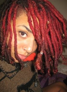 Im looking to naturally color my Locs, i love this color and teal too.