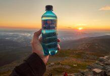 Noční pochod na Sněžku za východem slunce absolvovalo 585 turistů Poland Springs, Naha, Drink Bottles, Water Bottle, Drinks, Drinking, Beverages, Water Bottles, Drink