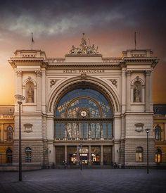 Keleti railway station, Budapest. Thank you for amazing photo @krenn_imre