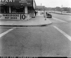 10 cent hot dogs and hamburgers on 47th Avenue and Sloat Boulevard (1940)